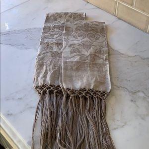 Italian Linen Damask Hand Towels